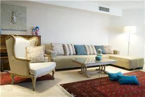 חלל מגורים בעיצוב וינטאג' - קלאסי בשילוב צבעים הרמוני בעיצוב ותכנון של ג'ני דיין