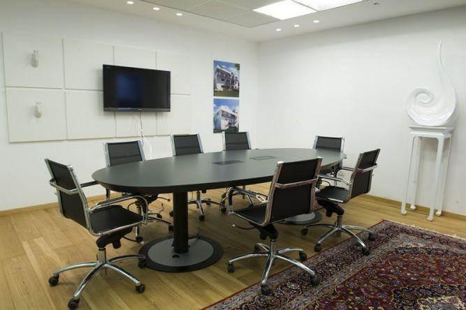 חדר ישיבות במשרד בעיצוב ותכנון של ג'ני דיין