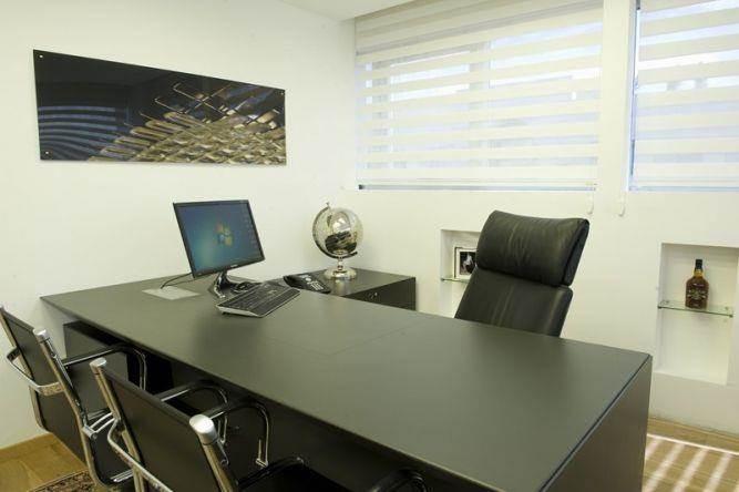 משרד מנהל בעיצוב ותכנון של ג'ני דיין הומסטיילינג