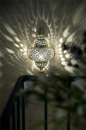 תאורת  אוירה בחלל מדרגות
