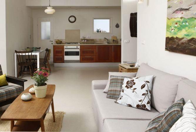 מבט מהסלון לכיוון המטבח - זוהר רוזנפלד עיצוב פנים