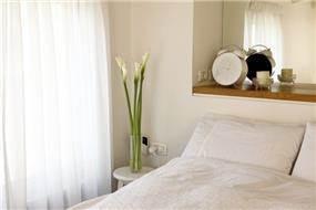 חדר שינה בעיצוב קלאסי בתכנון זוהר רוזנפלד אדריכלות