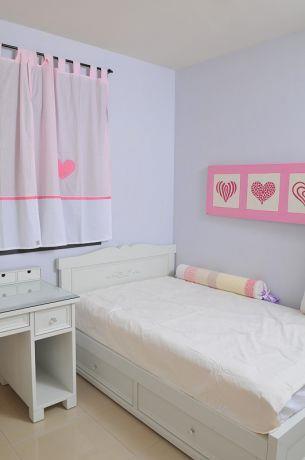 חדר נערה בגווני שמנת וורוד, לול עיצובים