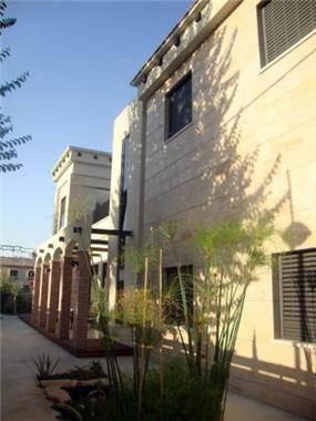 עיצוב חזית בית בסגנון מודרני. HM מושיק חדידה-אדריכלות ועיצוב פנים