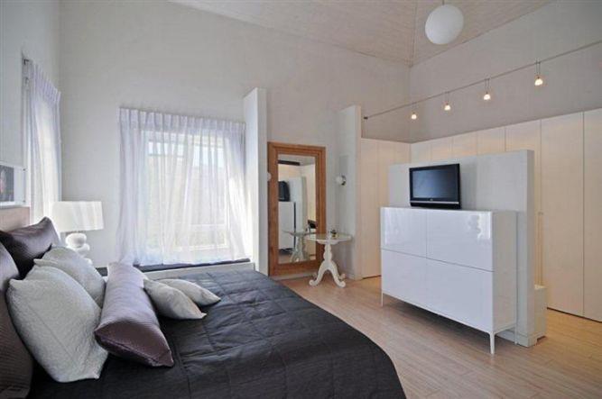 חדר שינה בעיצוב מודרני ופרקטי