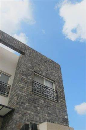חזית בית בשרון בעיצוב שירלי דן