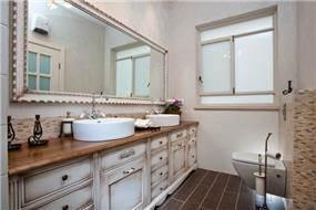 חדר אמבטיה בשדה ורבורג בעיצוב שירלי דן