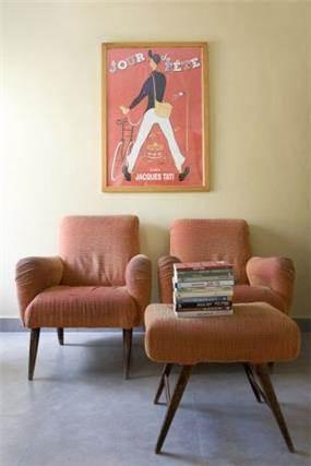 פינת  טלויזיה, וינטז', כורסאות ישנות. עיצוב - אורלי אביטל