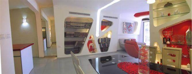 ספריה בעיצוב סבסטיאן ארוך