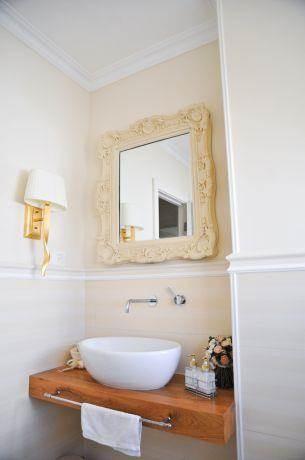מבט אל שירותי אורחים פרובנס קלאסי - בעיצוב ליהי שמאי