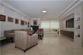 מבט אל הסלון בעיצוב Gilad Interior Design