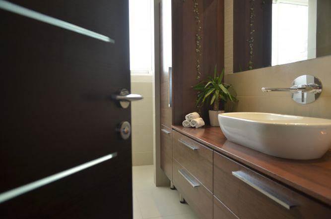 הצצה לשירותי אורחים Gilad Interior Design