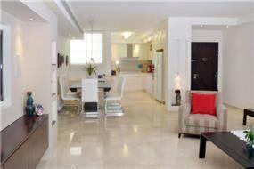 מבט אל פינת האוכל בעיצוב Gilad Interior Design