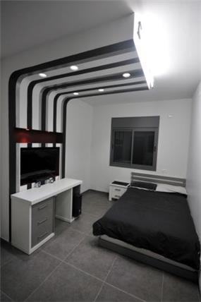 חדר שינה במיני פנטהאוז בעיצוב חלימה שעיב