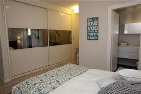 חדר שינה בעיצובה של מירב שלום