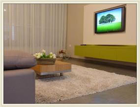 סלון בדירה ישנה ששופצה מהיסוד, בעיצוב מירב שלום