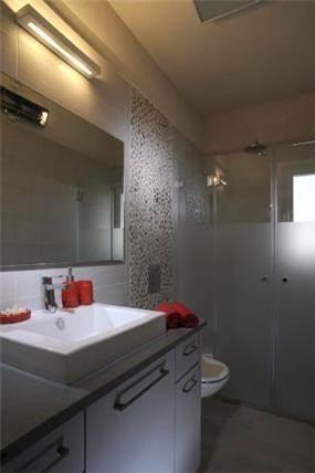 חדר אמבטיה בכפר סבא בעיצובה של ליאת הראל