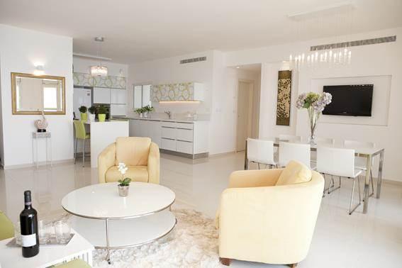 מבט מהסלון אל המטבח -עיצוב ליאת הראל