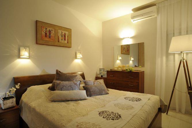 חדר שינה בדירה בכפר סבא בעיצוב ליאת הראל