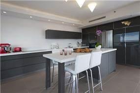 מטבח בדירה בהרצליה - עיצוב ליאת הראל