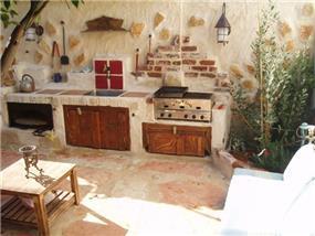 מטבח הקיץ בגינה, בעיצוב גינות פרובנס