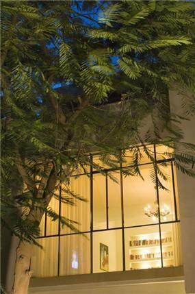 "דירת גג, ת""א - Architecture and Design - נטע דוידי אדריכלים צילום: יונתן בלום"
