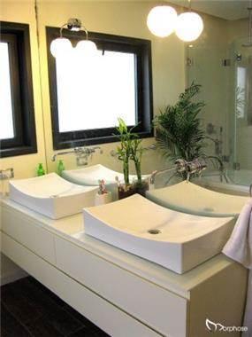 חדר רחצה מודרני חם, בעיצוב סטודיו מורפוז