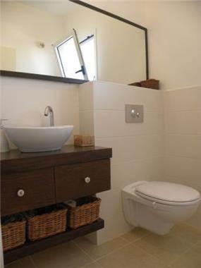 חדר שירותים. עיצוב: עתליה לוי