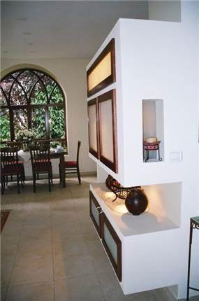 בית פרטי, נווה ירק, בר משקאות ואחסון בקיר גבס - עתליה לוי