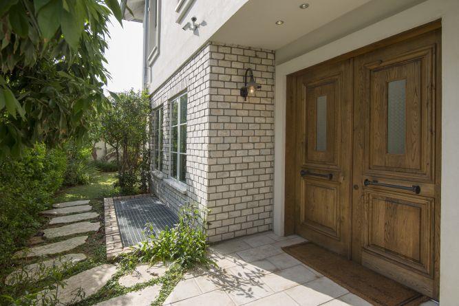 כניסה לבית בסגנון פרובנס - לב אדריכלות