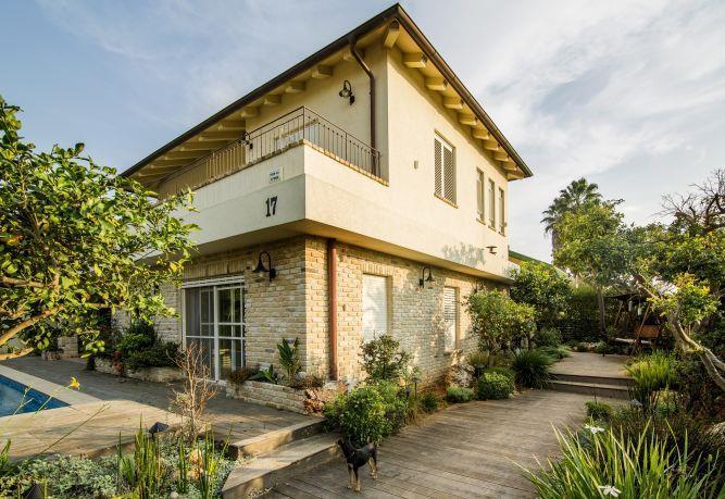 חזית בית לאחר שיפוץ - לב אדריכלות