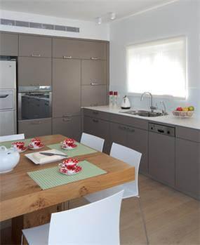 עיצוב מטבח בפנטהאוז - אטלס+ דרור- סטודיו לאדריכלות ועיצוב