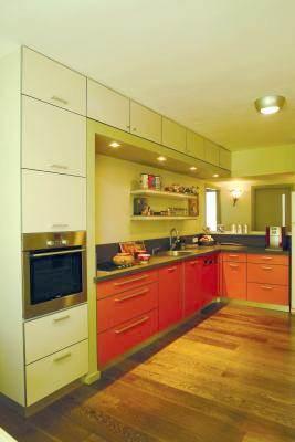 מטבח בדירה בגבעתיים - אטלס + דרור- סטודיו לאדריכלות ועיצוב