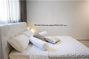 חדר שינה לבן מעוצב - ליז זומר