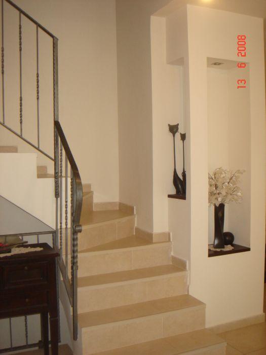 חדר מדרגות - דאובה שלומית- עיצוב ואדריכלות פנים