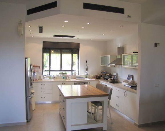 מבט למטבח, מירי גור אדריכלות ועיצוב פנים.