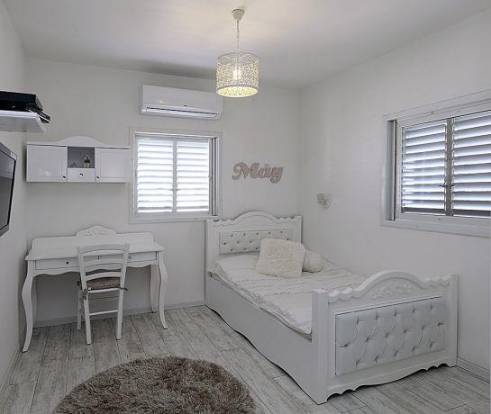 חדר שינה לבן לנערות בפנטהאוז, טלי מאיר פיק