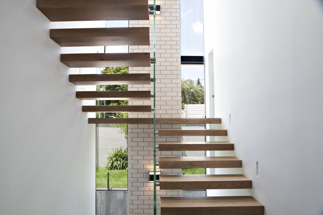 חלל מדרגות, גל כהן פדלון