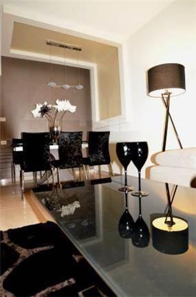 סלון מרשים, I.V Design