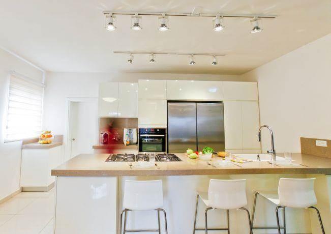 מטבח בקו נקי, Inside Design