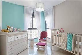חדר ילדה, Inside design
