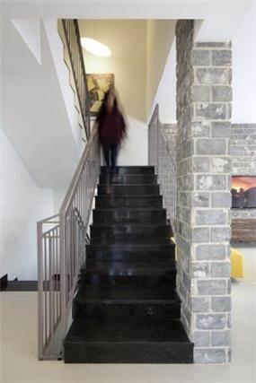 מדרגות בלוק אורבאני, Inside design