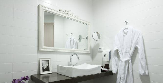 חדר אמבטייה מפנק, Inside Design