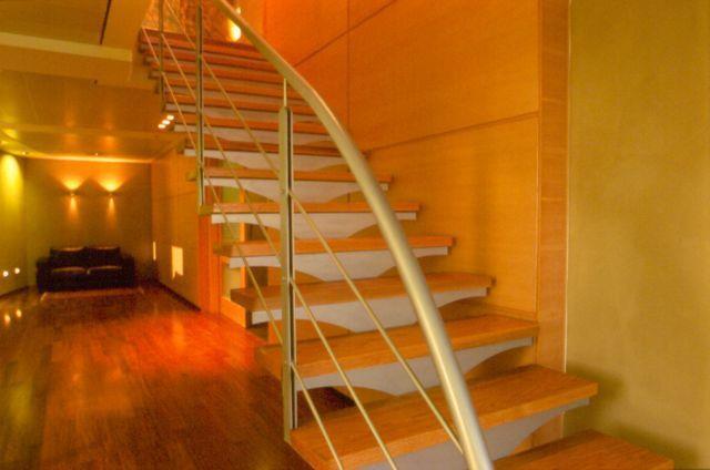 מדרגות מרחפות,נורית זעירי אדריכלים