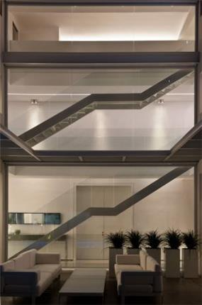מדרגות - מיקי טרבס, אדריכל
