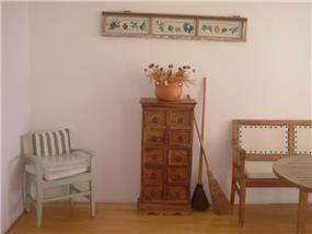 רהיטים מעוצבים, אסנת ברוקמן-אדריכלית