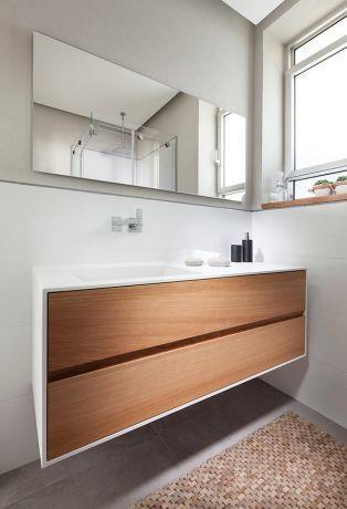 חדר מקלחת מודרני, מיטל צימבר