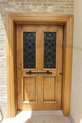 דלת כניסה מרשימה בבית בהוד השרון, מיטל צימבר