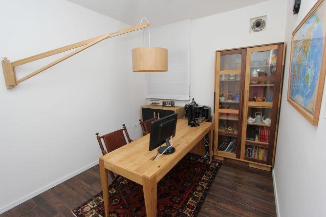 חדר עבודה מיוחד,  מיטל צימבר