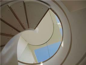 גרם מדרגות, מישר אדריכלות ובניה בעמ